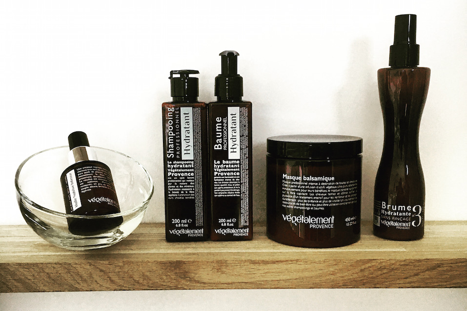Adopter le parfait rituel cheveu à la maison : conseils de pro par Végétalement Provence